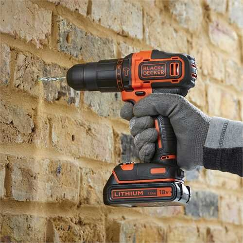 Black and Decker - 18 V 2vaiht iskuporakone 15Ah 200mA - BDCHD18