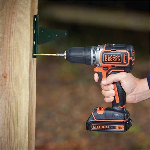 Black and Decker - 18 V hiiliharjaton LiIon akkuporakone 2 akkua ja laukku - BL186KB