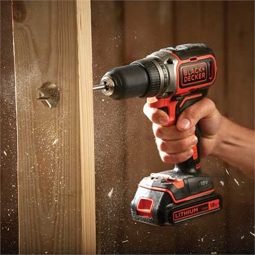 Black and Decker - 18 V hiiliharjaton LiIon akkuporakone 400 mA laukku - BL186K
